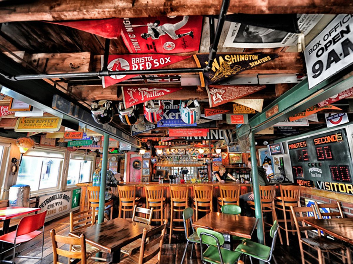 The Ramp Bar And Grill Kennebunkport Photo Pier 77 Restaurants