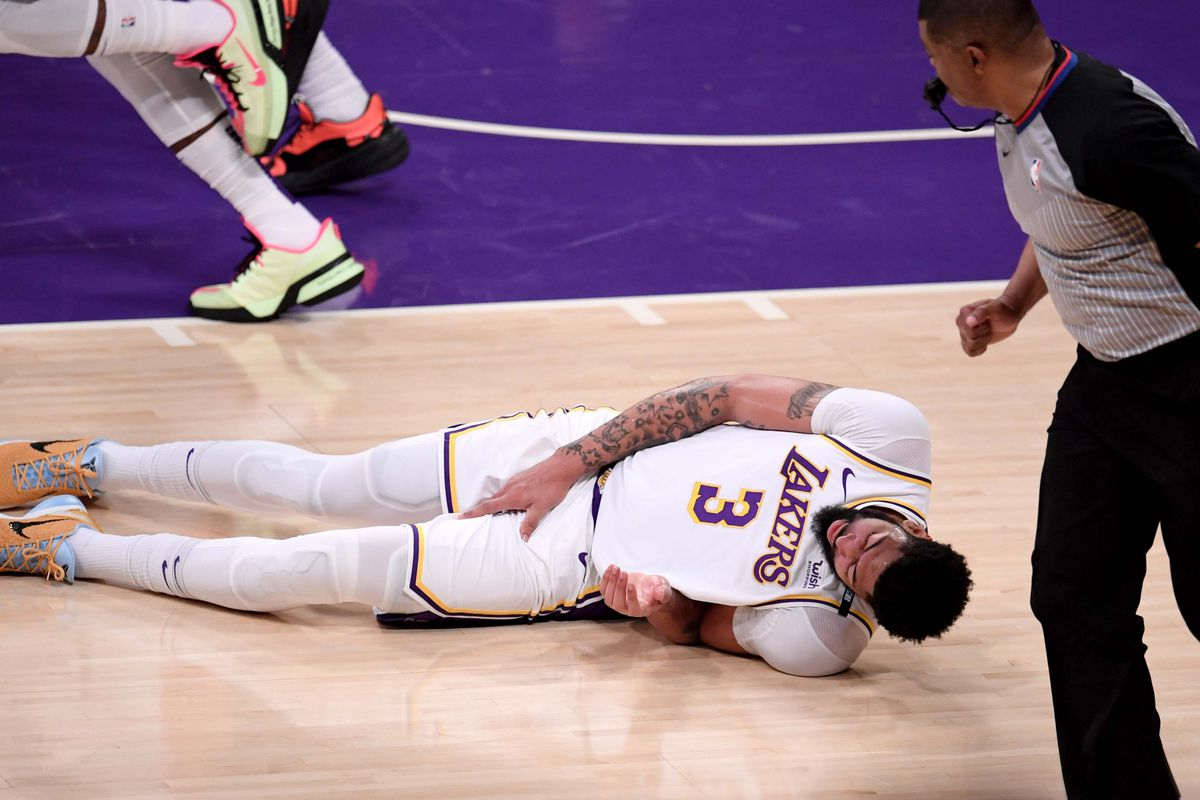 Phoenix Suns defeated the Los Angeles Lakers 100-92 during game four of the Western Conference First Round NBA Playoff basketball game.