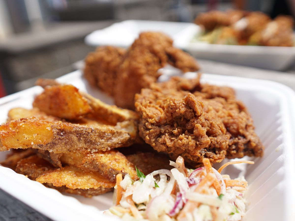 A picture of fried chicken wings and boneless thighs at Jojo