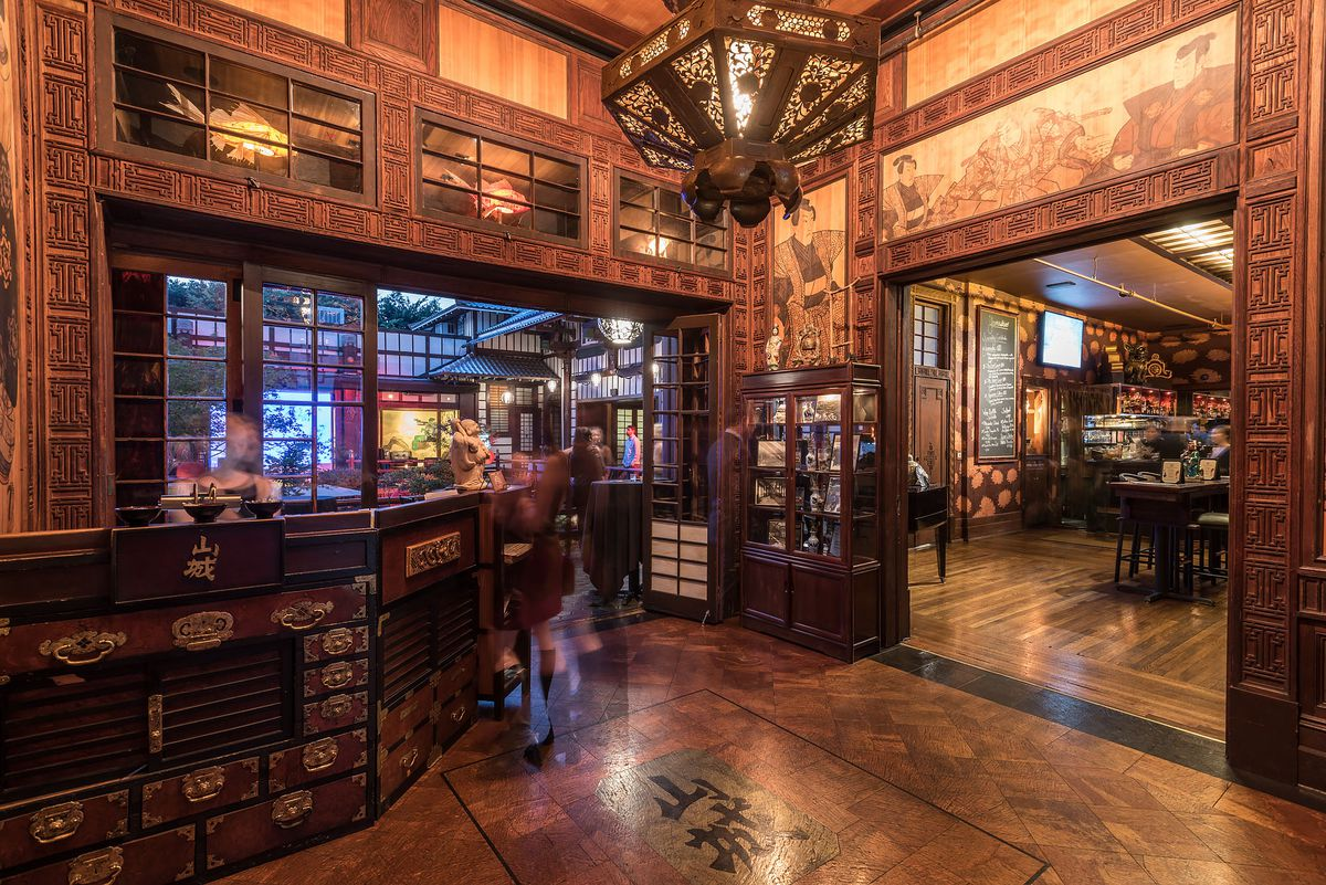 Yamashiro: a Visual Feast of the Storied Hollywood Hilltop ...