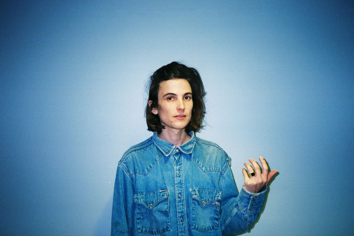 diiv 39 s is the is are is drowsy disconcerting dream pop the verge. Black Bedroom Furniture Sets. Home Design Ideas