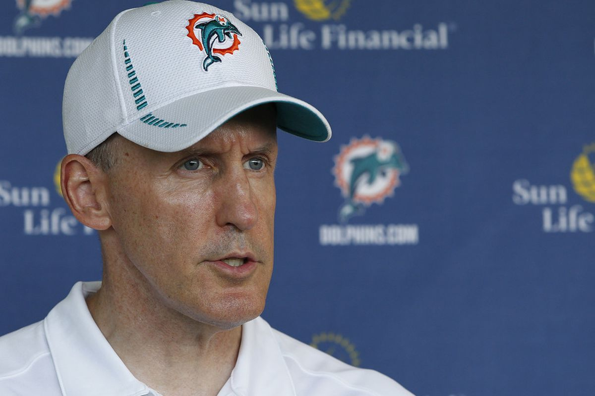 Las Vegas does not have a lot of faith in the turn around the Miami Dolphins can do under first year head coach Joe Philbin.