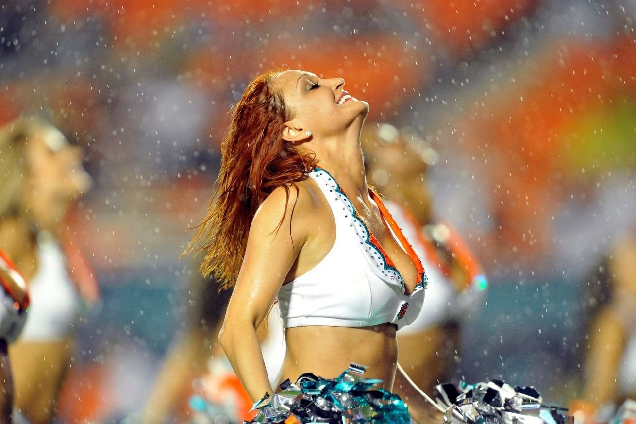 We're talking Hard Knocks - I thought a gratuitous cheerleader picture was required.