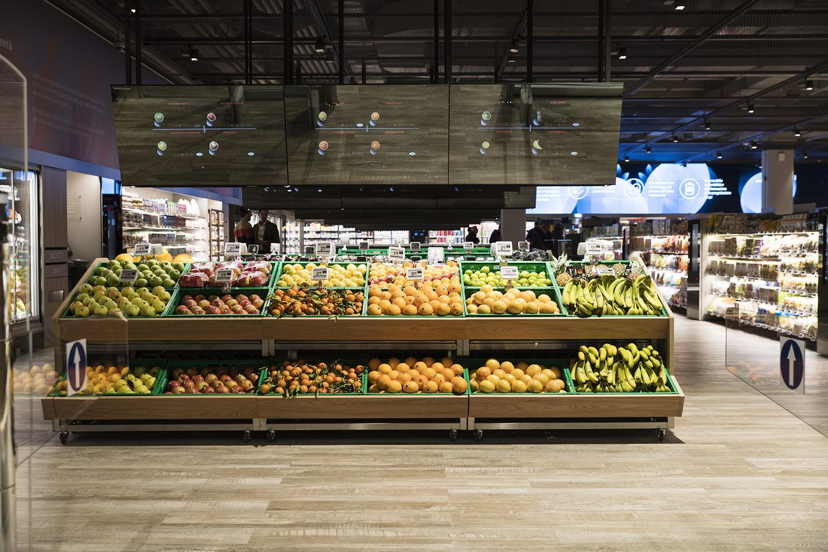 Supermarket Of The Future With Augmented Reality Opens