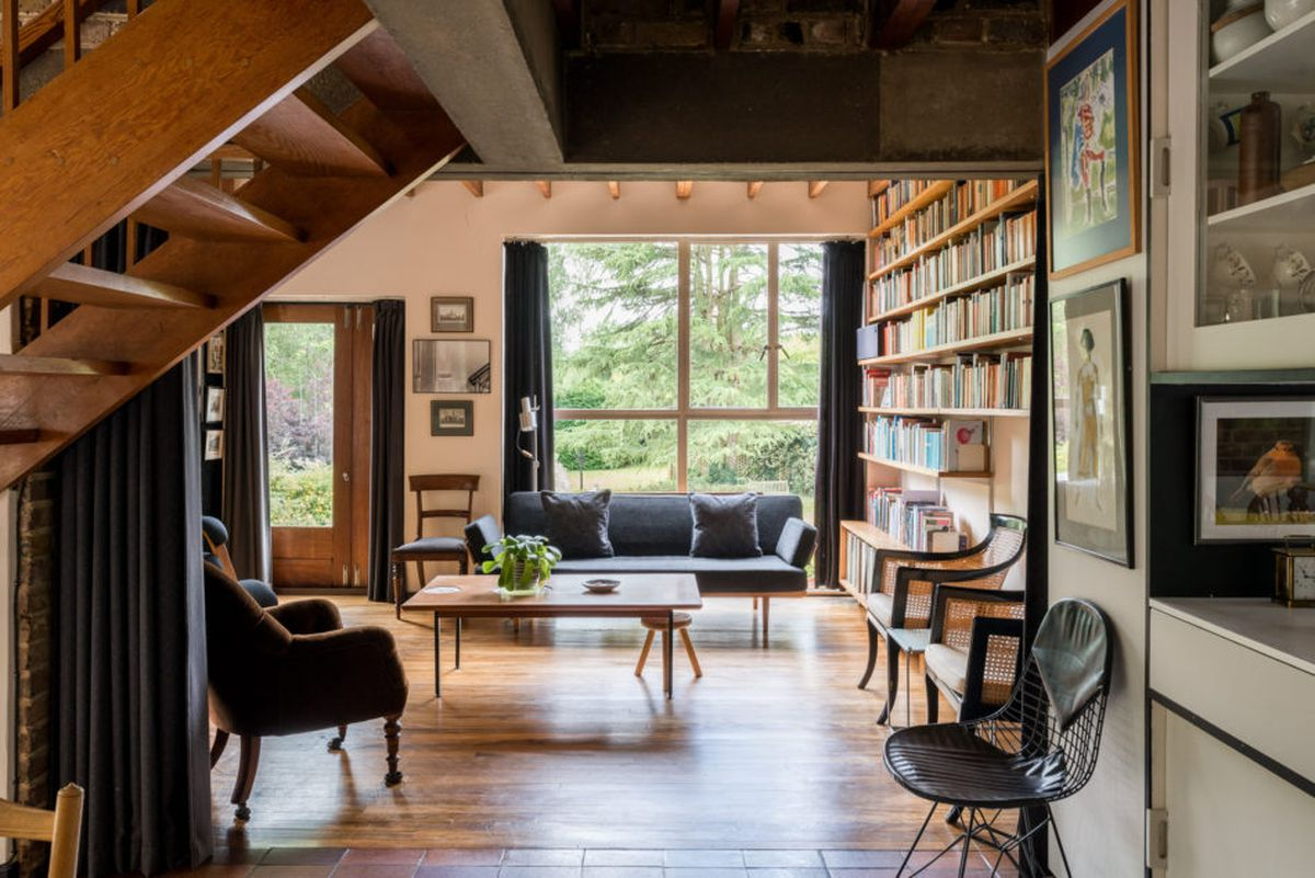 peter smithson explained their intentions the distribution of the windows deliberately allows the brickwork to flow together and ultimately coalesce - 1955 Home Design