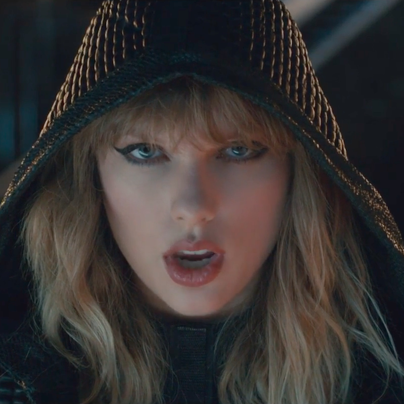 On Reputation Taylor Swift Emerges As The Modern Celebrity We Deserve The Verge