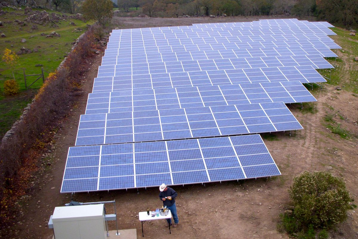 Solarcity Solar Panels >> Solarcity Is Trying To Become The Apple Of Solar Power Vox