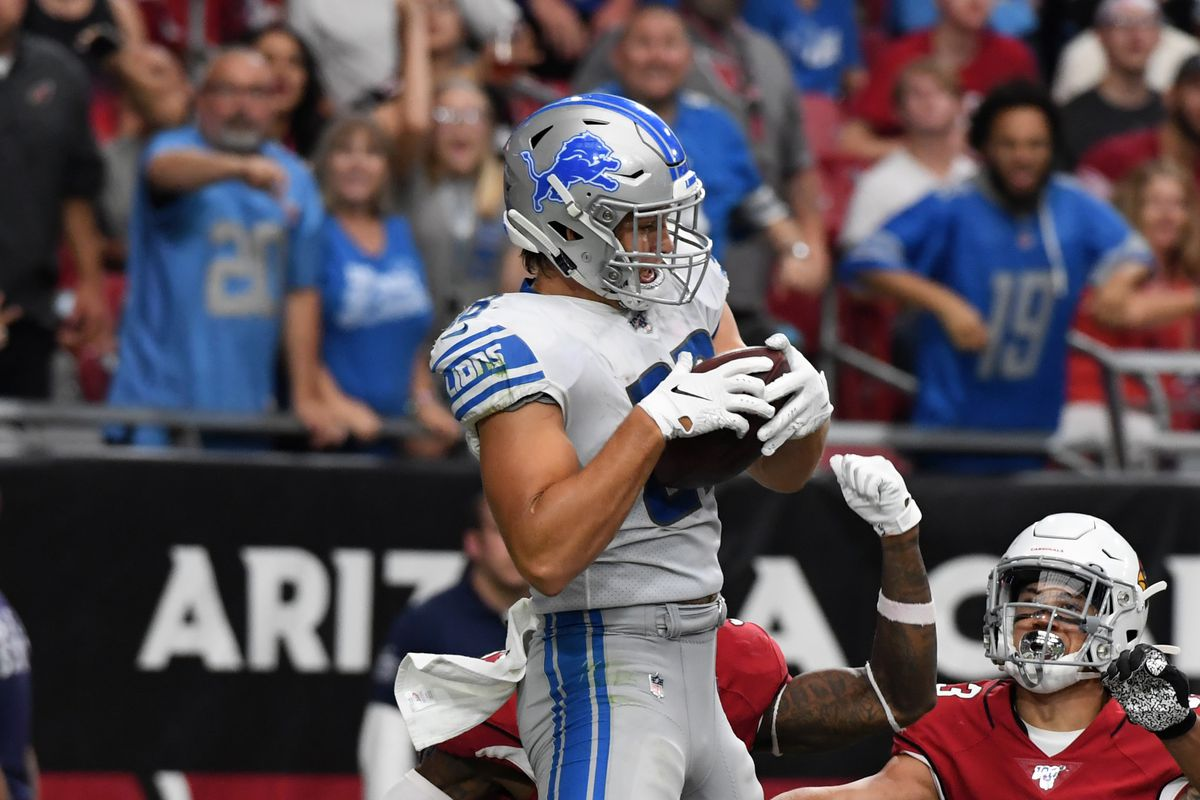 TJ Hockenson of the Detroit Lions catches a touchdown pass against the Arizona Cardinals at State Farm Stadium on September 08, 2019 in Glendale, Arizona.