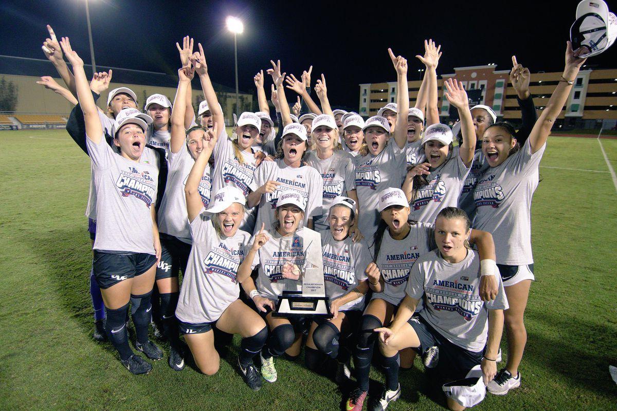 UCF's Women's Soccer Team celebrates winning the 2017 American Athletic Conference Regular Season Championship. (Photo: UCF Athletics)