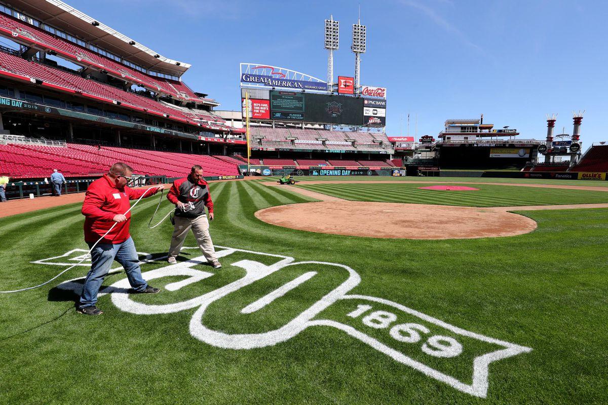 MLB: Cincinnati Reds-150th year stadium tour