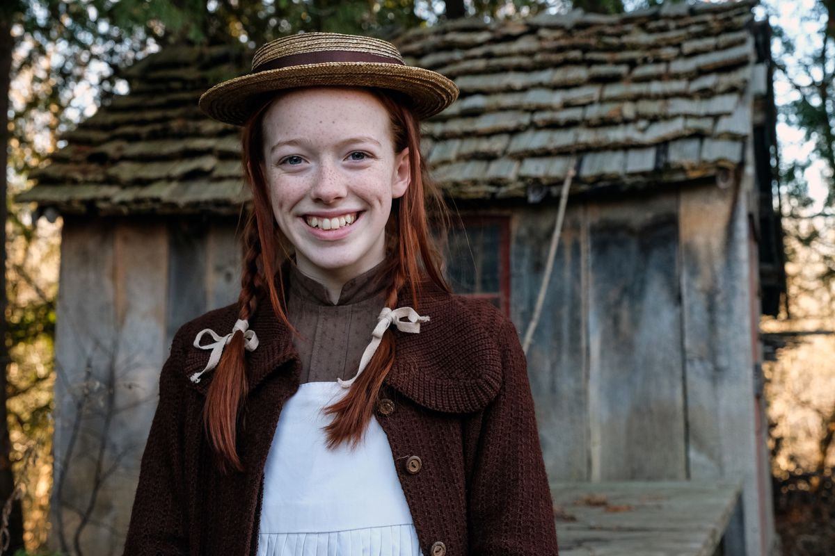 anne shirley smiling
