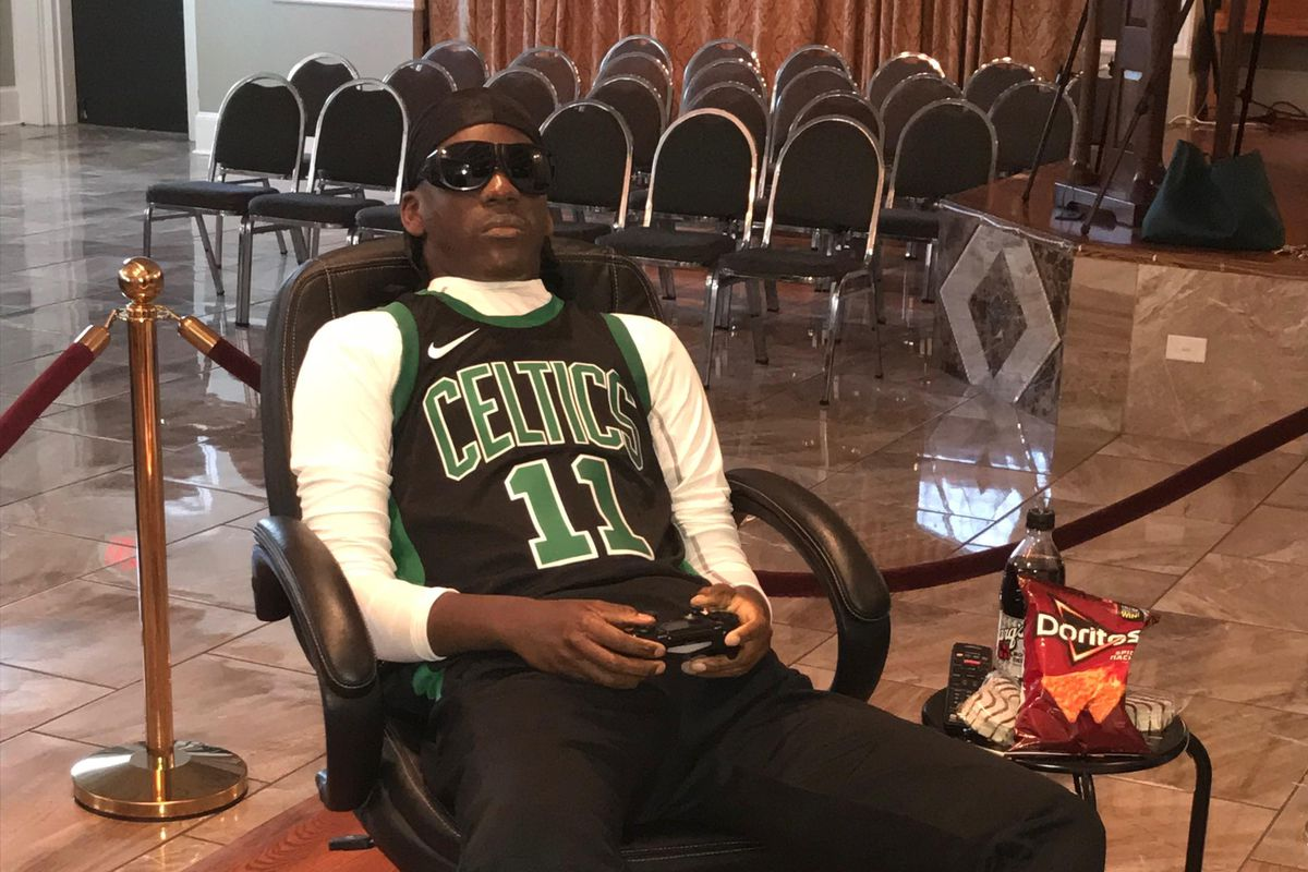 watch 774c7 65962 This Celtics fan's wake staged him playing NBA 2K in his ...