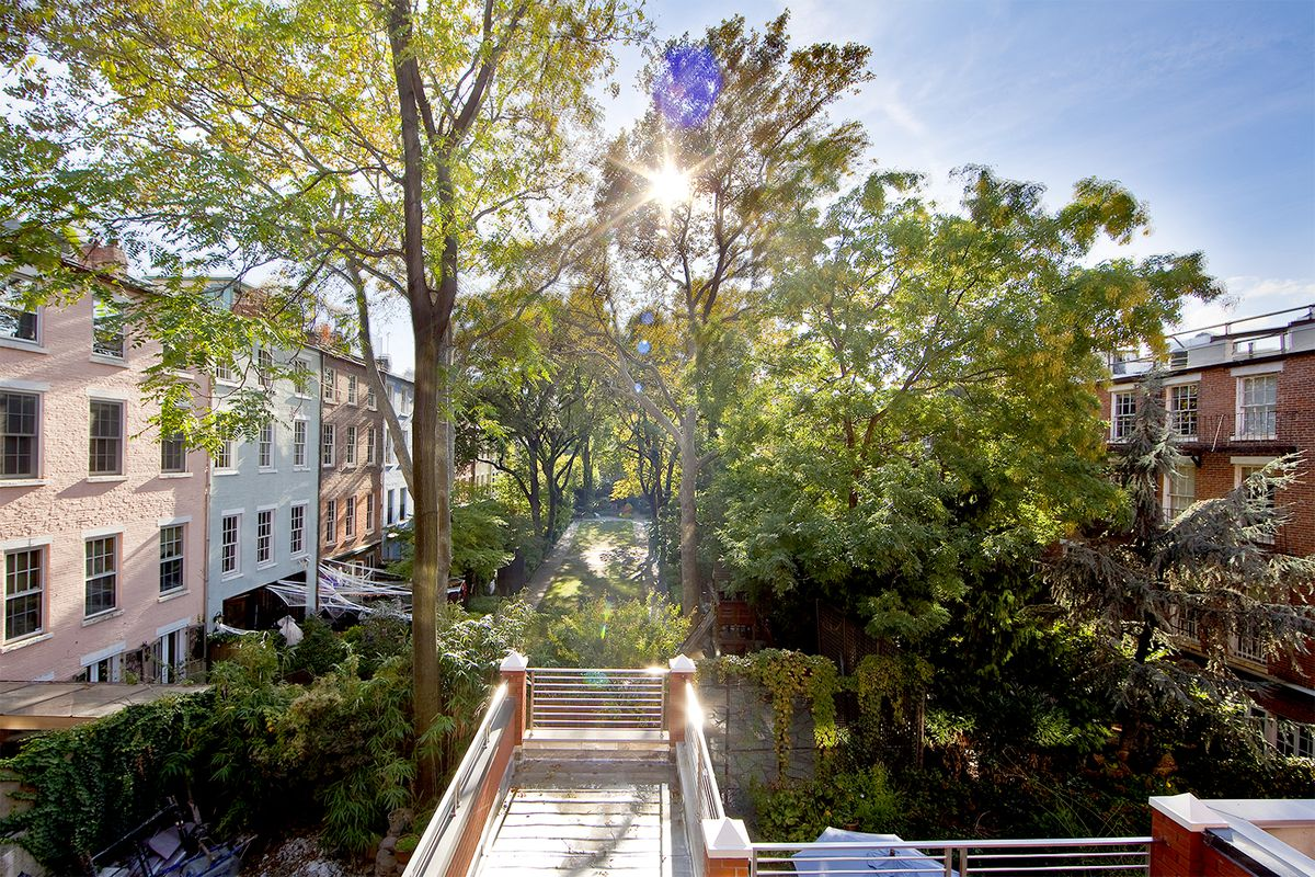 Greenwich village condos overlooking macdougal sullivan for Apartments for sale in greenwich village nyc