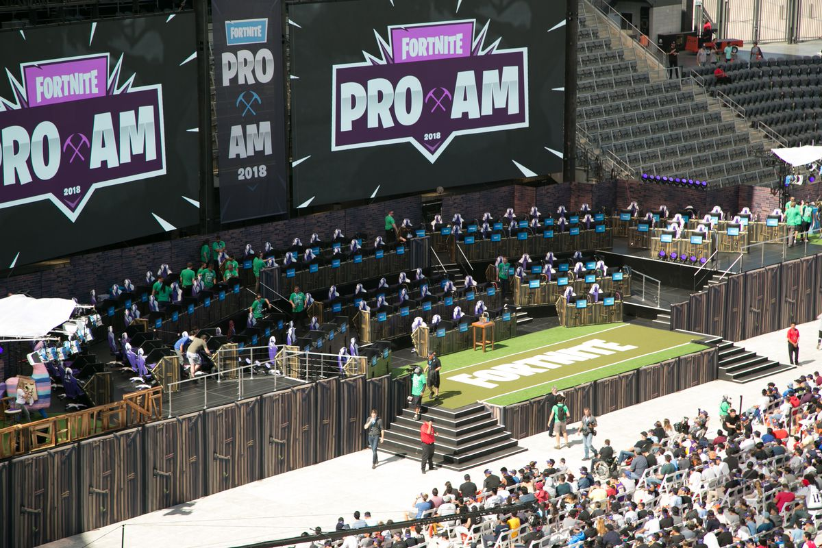 wide shot of Fortnite Pro-Am stage