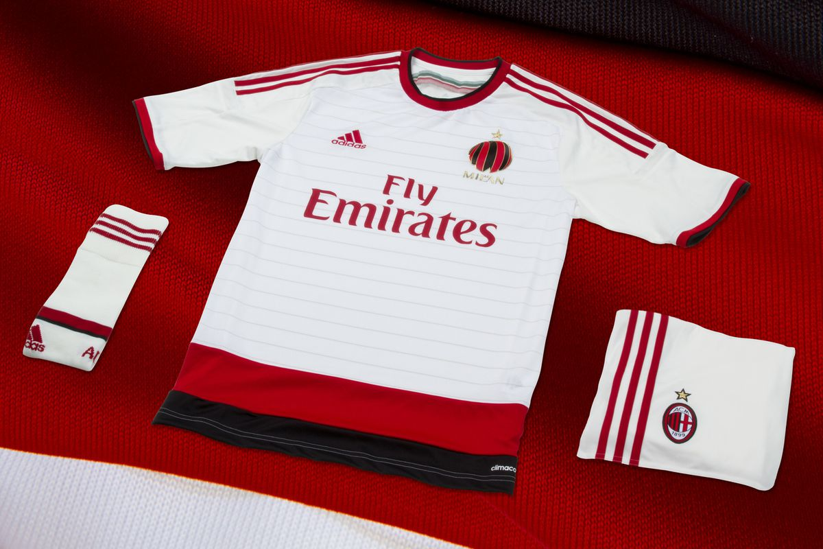 huge selection of d8aab 806ef AC Milan unveil 2014/15 away kit with brand new crest ...