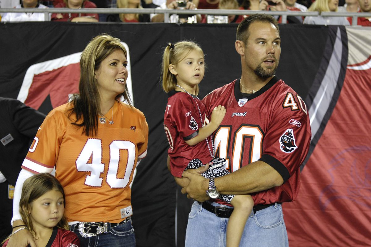 Mike Alstott and Doug Williams join Buccaneers Ring of Honor Bucs  1SHdKede
