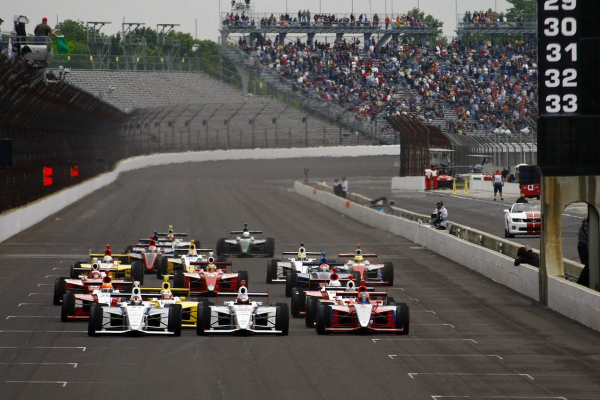 The start of the Freedom 100 Firestone Indy Lights race during Carb Day at the Indianapolis Motor Speedway, May 27, 2011. (Photo: Dan Helrigel/IndyCar)