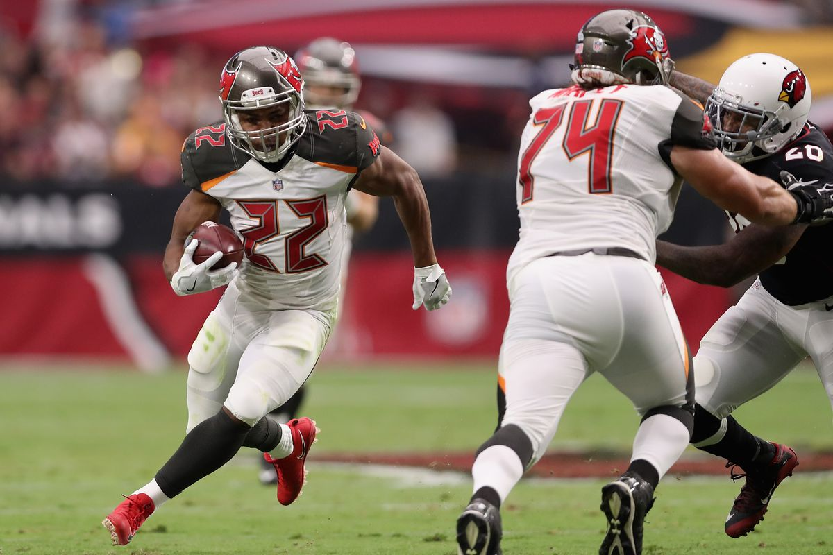 Raiders To Sign Doug Martin