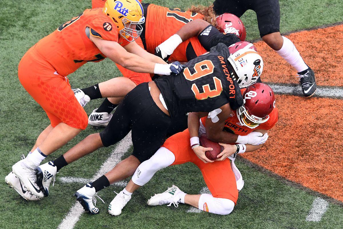 UTSA EDGE Marcus Davenport sacks Oklahoma QB Baker Mayfield at the 2018 Senior Bowl