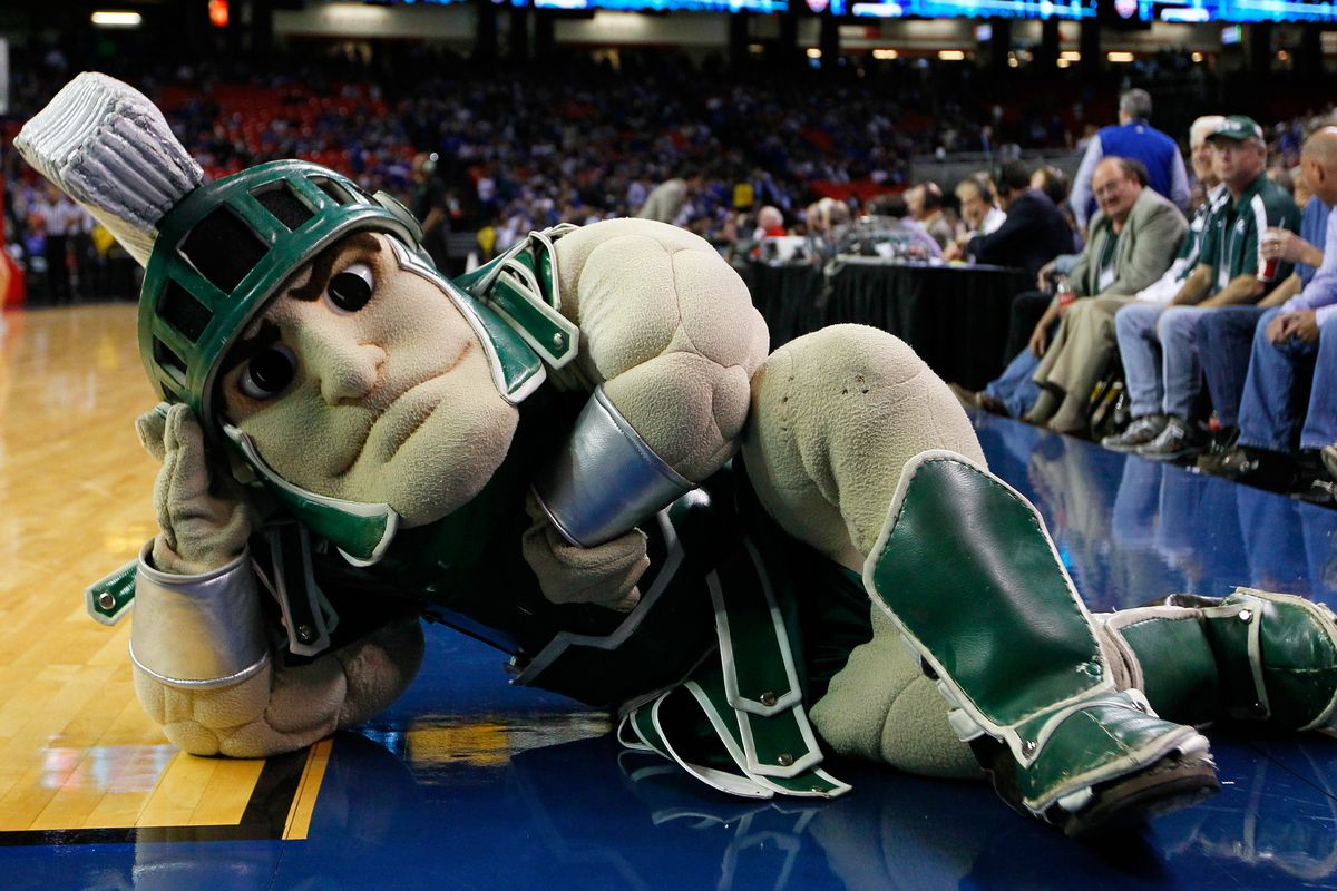Sparty fights to stay awake watching Spartan hockey