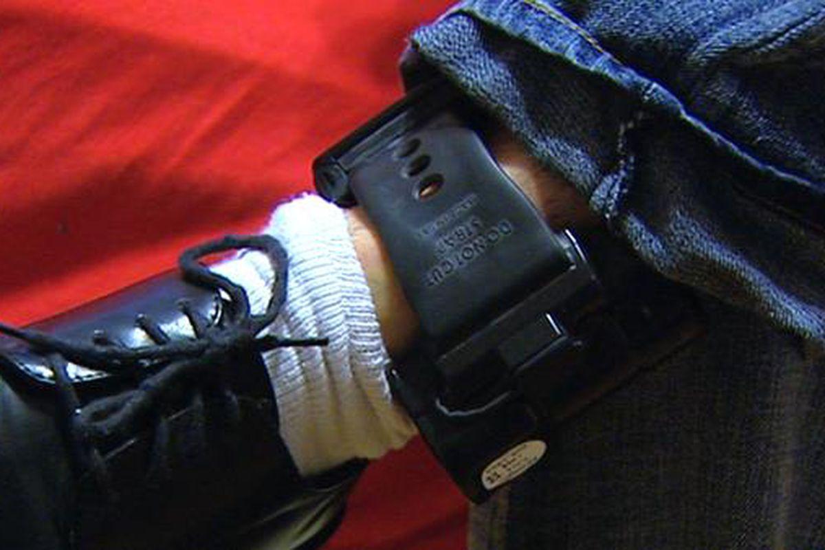 """via <a href=""""http://usopenborders.com/wp-content/uploads/2012/05/0511anklefourmo1.jpg"""">usopenborders.com</a>"""