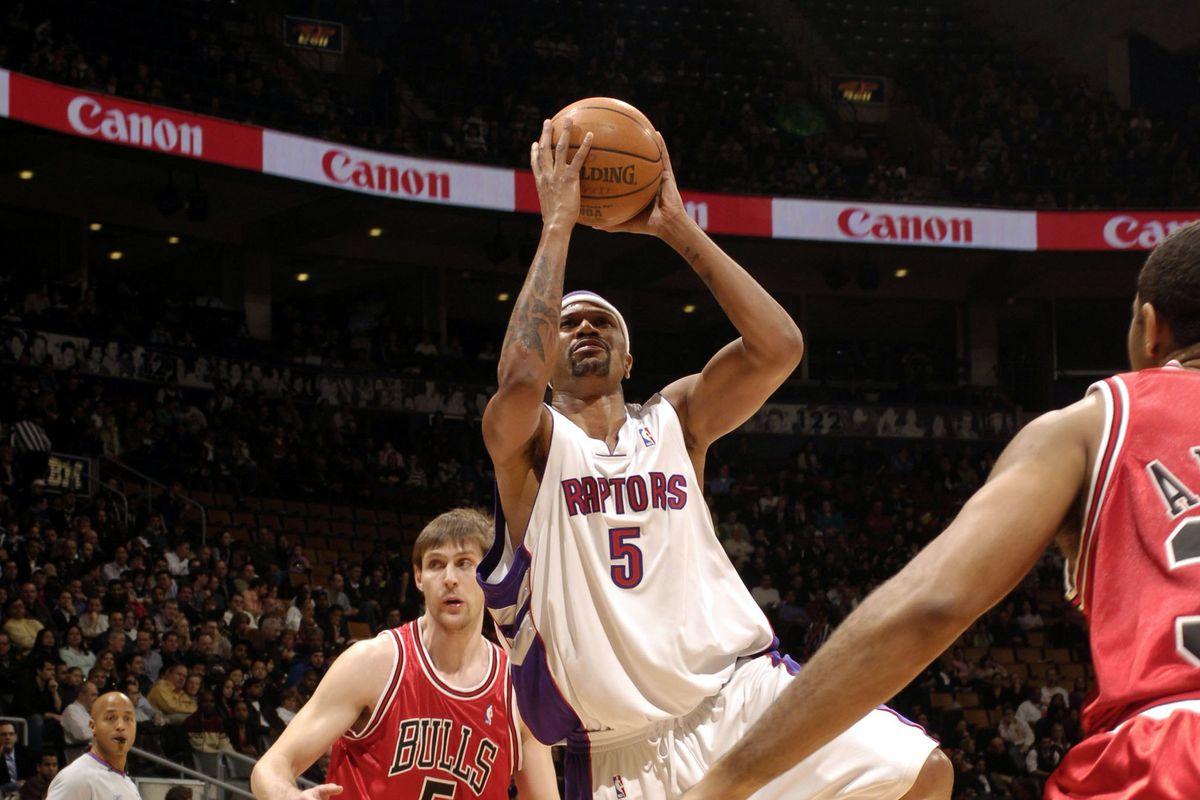 Toronto Raptors What if... Jalen Rose didn't break his hand?