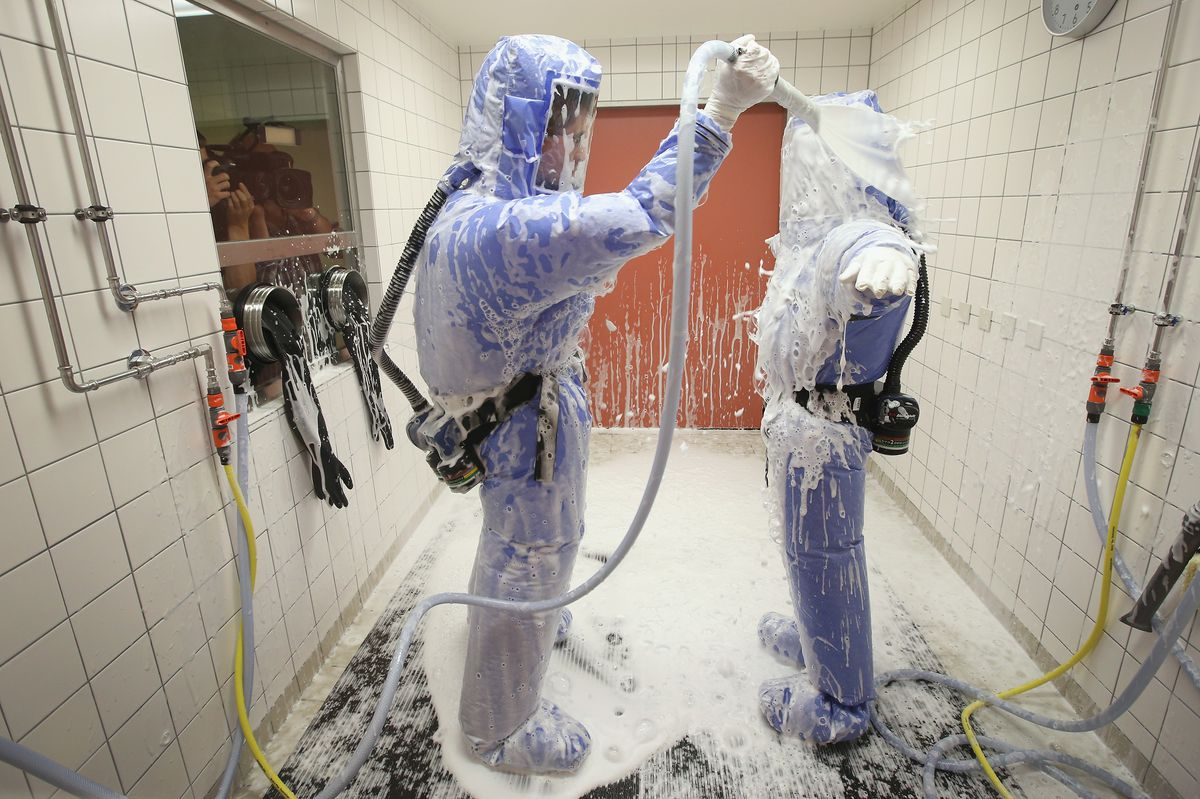ebolasuit