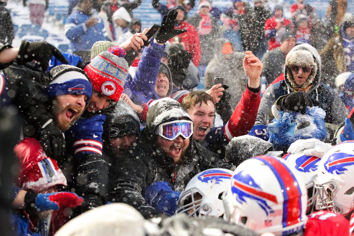Snow Can T Keep Bills Fans Away Plus 5 Things We Loved From Week 14 Sbnation Com