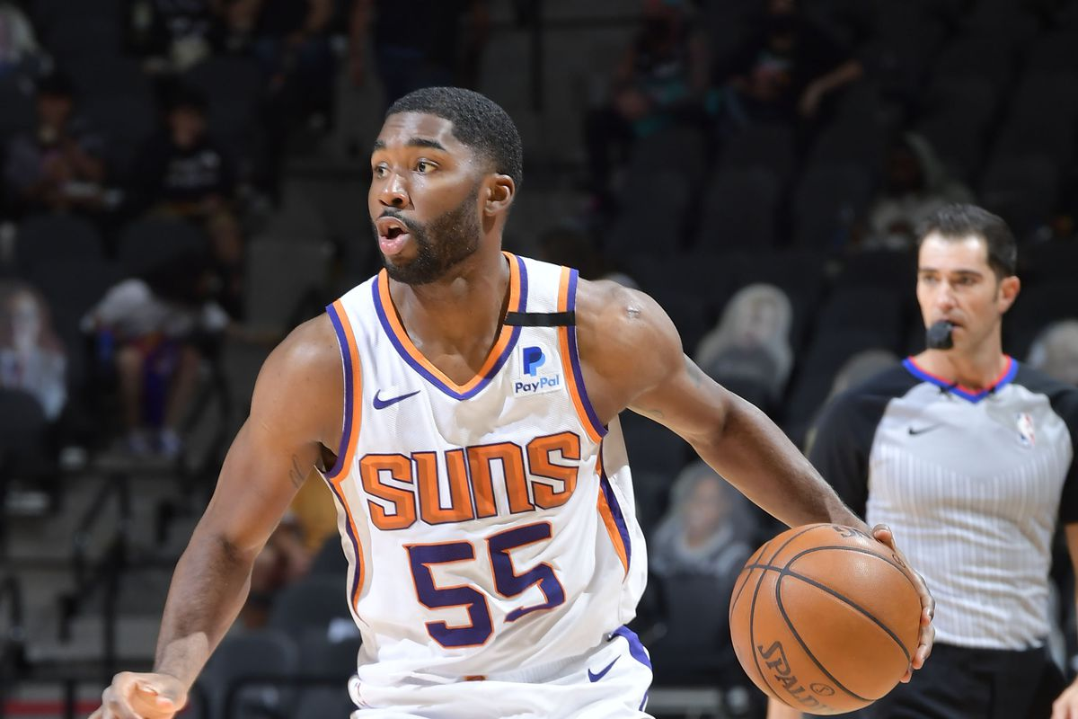 E'Twaun Moore #55 of the Phoenix Suns dribbles the ball during the game against the San Antonio Spurs on May 16, 2021 at the AT&T Center in San Antonio, Texas.