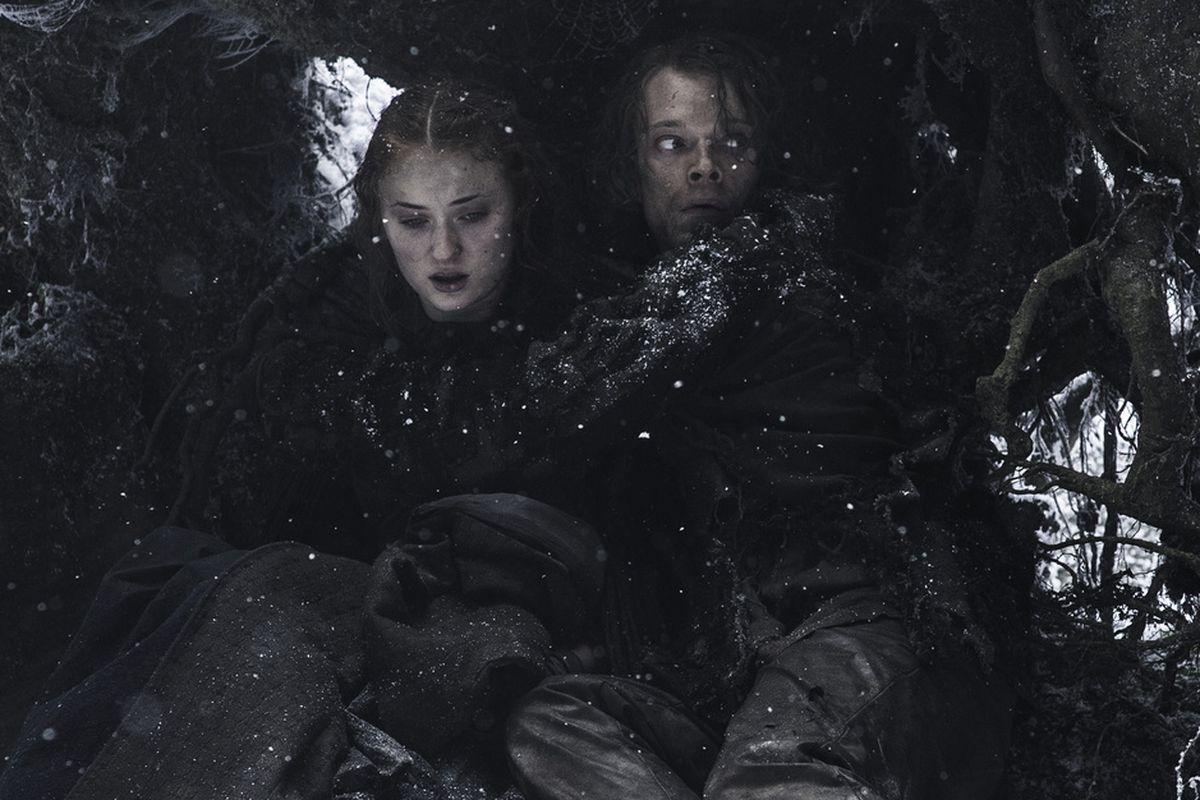Sansa and Theon hiding out, shortly before Brienne and Pod come to their rescue.