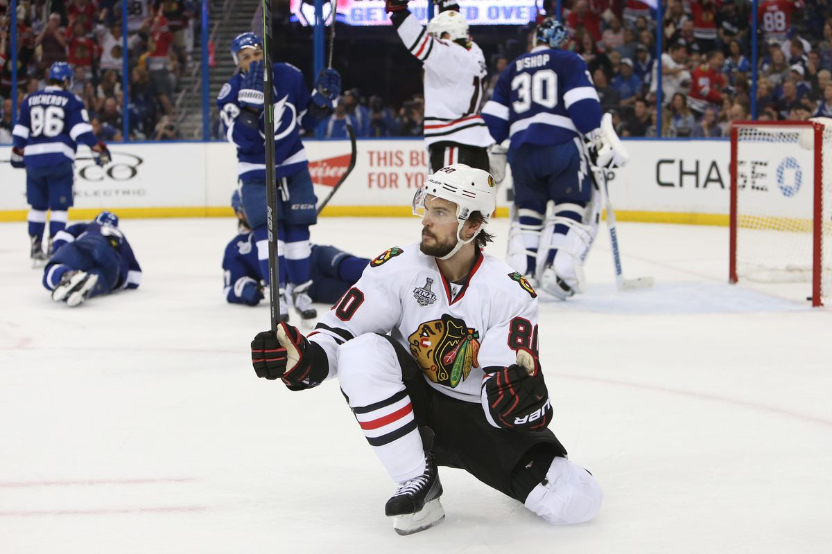 Antoine Vermette scores against Tampa in the Stanley Cup Final.