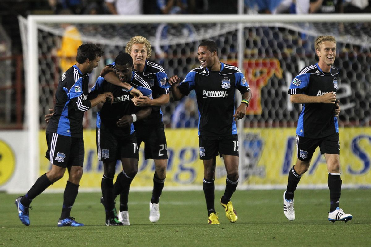 Robert Jonas credits Steven Lenhart, the dude with curly blonde hair in the center, with putting the San Jose Earthquakes back on a winning track this year.
