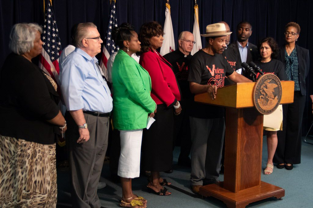 Lawmakers and clergymen hold a press conference on July 3, 2018 announcing public hearings on systematic violence throughout Illinois, according to a press release. | Colin Boyle/Sun-Times