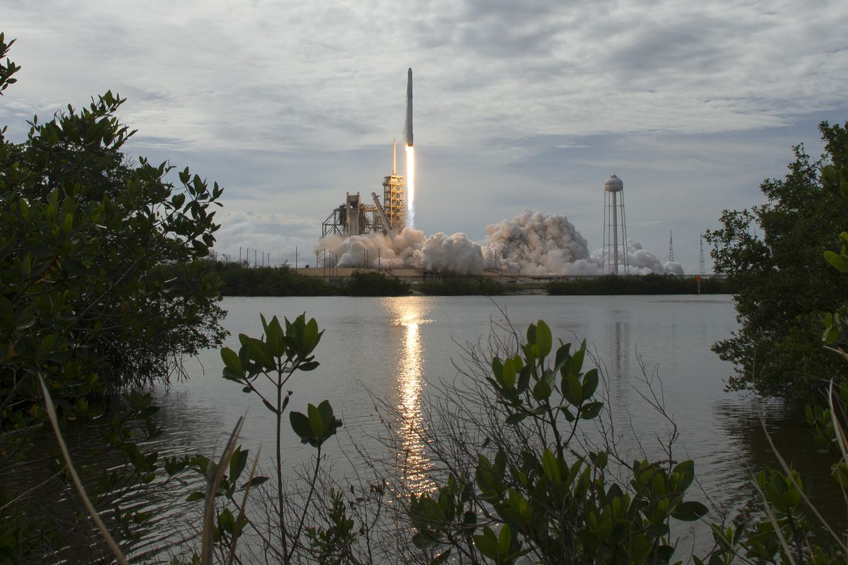 SpaceX's new funding makes it the fourth most valuable private tech
