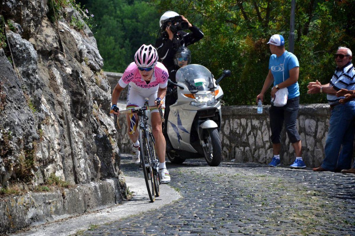 Marianne Vos races up to Cerro al Volturno, Giro Rosa Stage 3