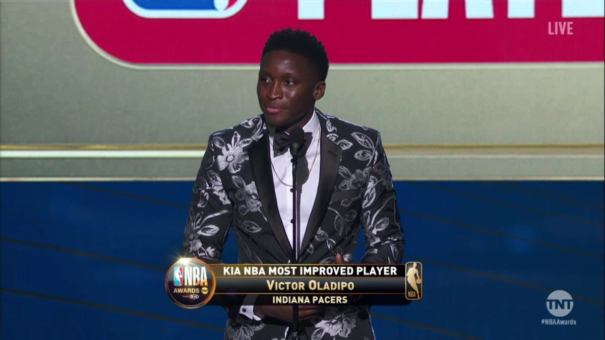 cd0c06fa5112 @VicOladipo after winning 2017-2018 #KiaMIP #NBAAwards  pic.twitter.com/scpBs5M91D