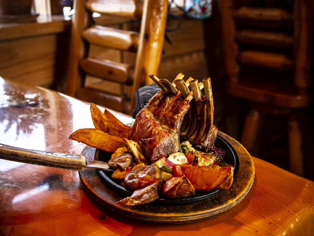 A sizzling platter of lamb chops.