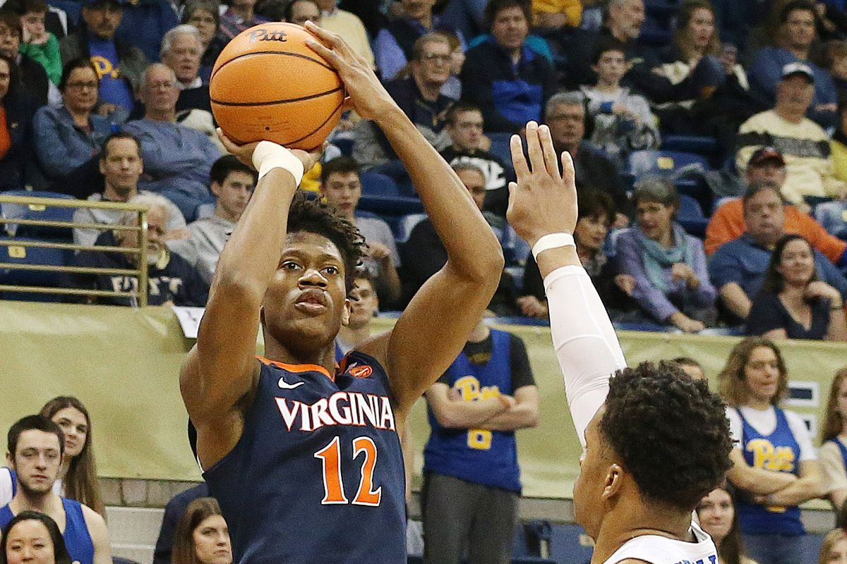 Virginia loses key player to broken wrist three days before NCAA tournament