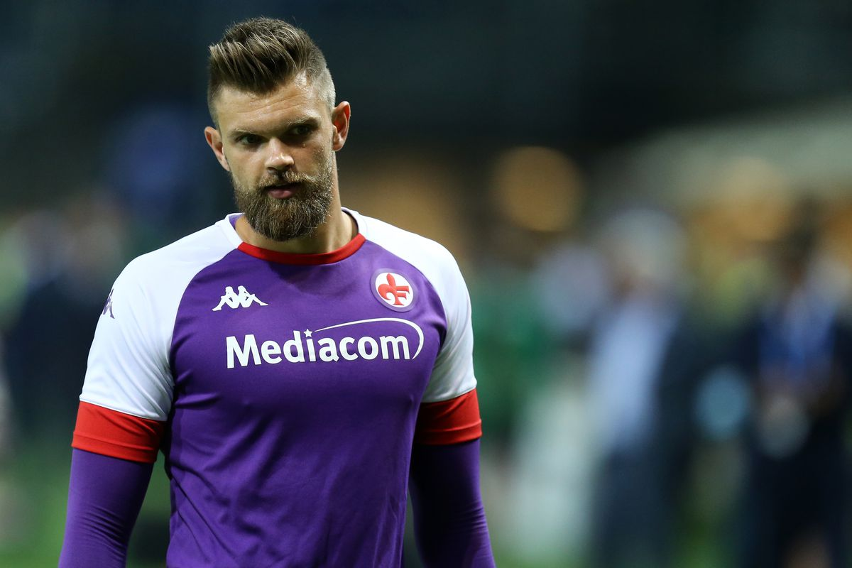 Bartlomiej Dragowski of Afc Fiorentina looks on during the...