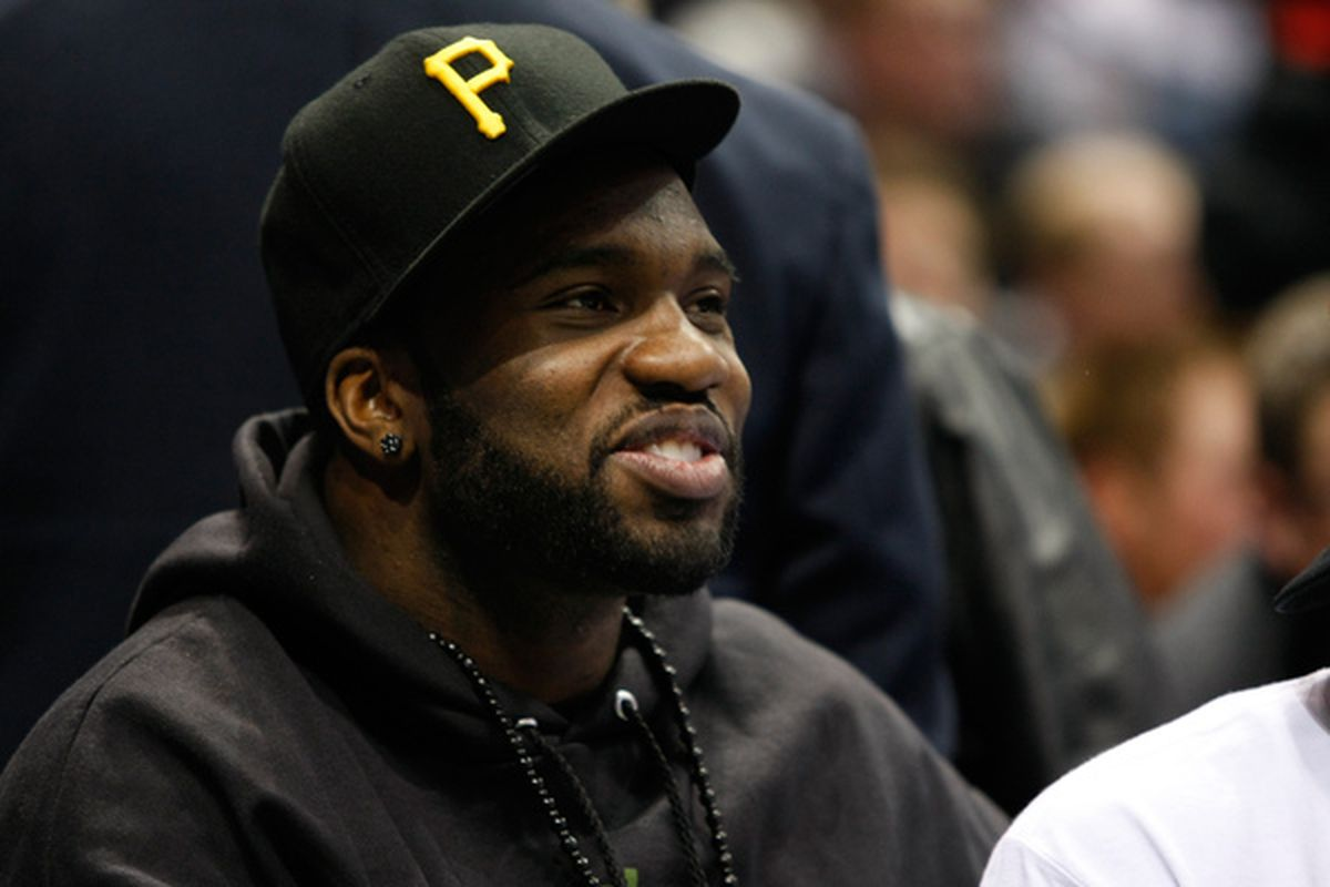 I don't know what the deal with that Pirates hat is, but Nick Collins better be on his game today. If the Bucks won by 23, can't the Packers do the same?