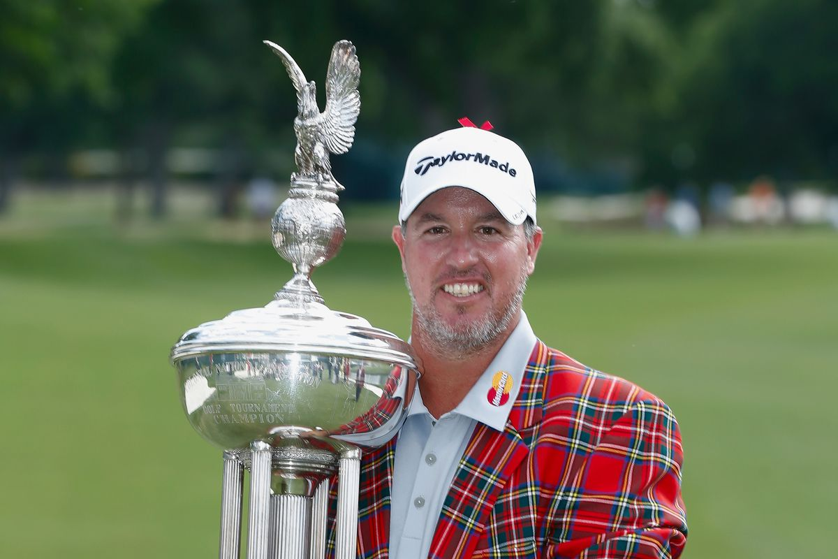 Crowne Plaza Invitational At Colonial Purse Boo Weekley Takes