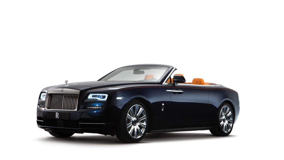 This Is The Rolls Royce Dawn An Ont Ragtop With Room For Four