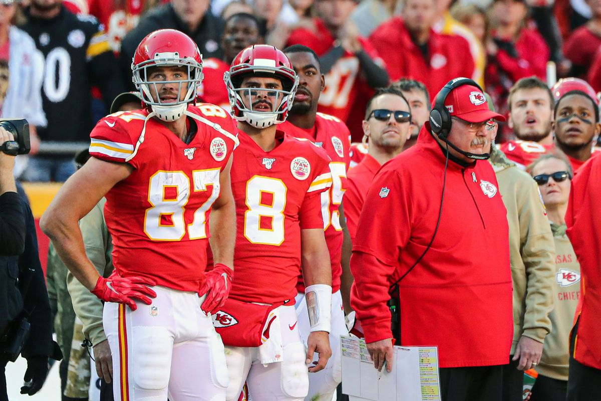 Travis Kelce and Jordan Lucas held out of Chiefs practice Thursday