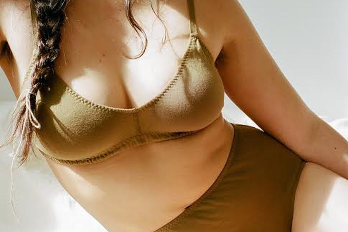 41c470b161 These Are the Very Best No-Bra Bras - Racked