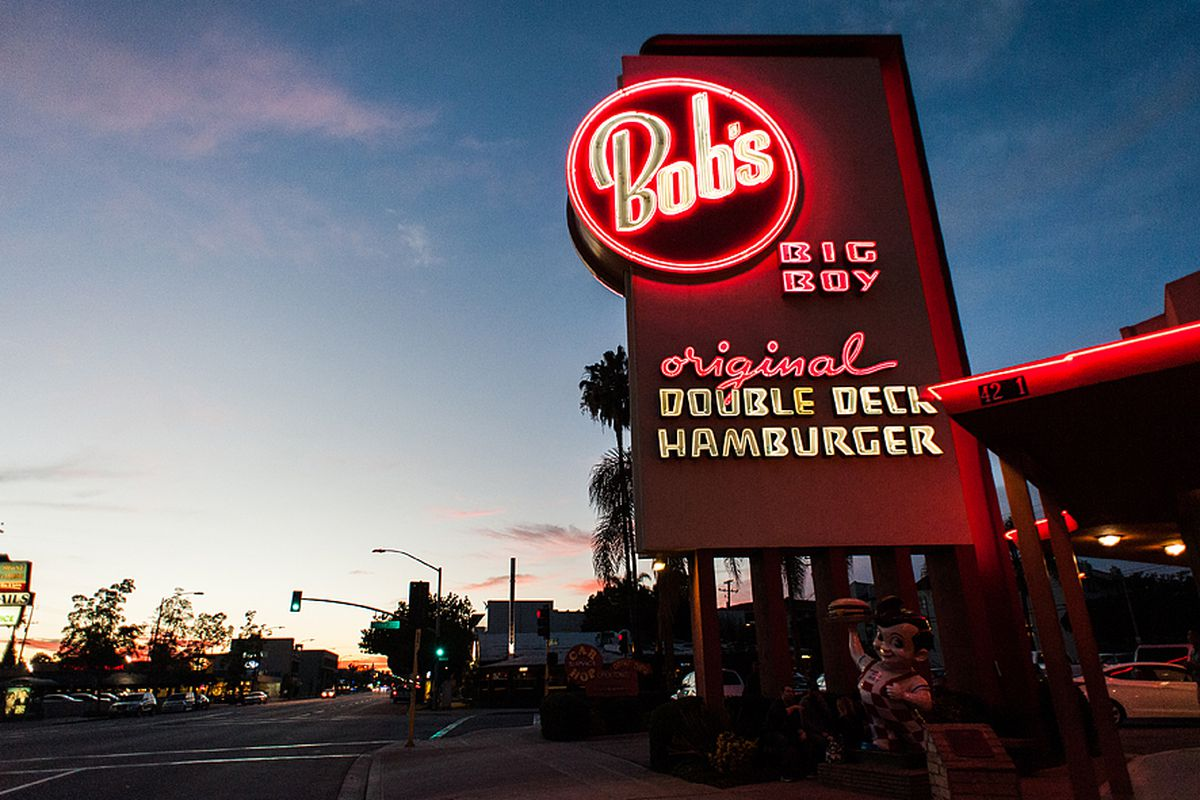 how bob s big boy helped usher in the era of the hamburger eater la