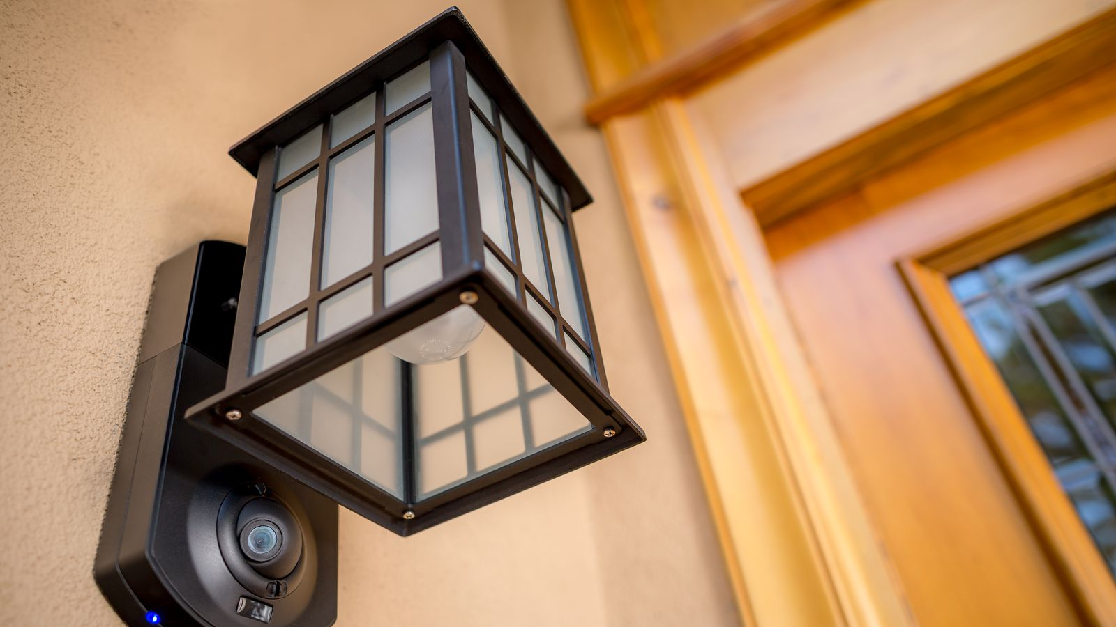 Kuna Is A Light Fixture That Doubles As A Home Security