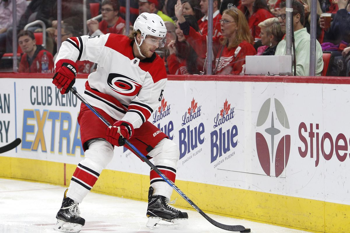NHL: Carolina Hurricanes at Detroit Red Wings