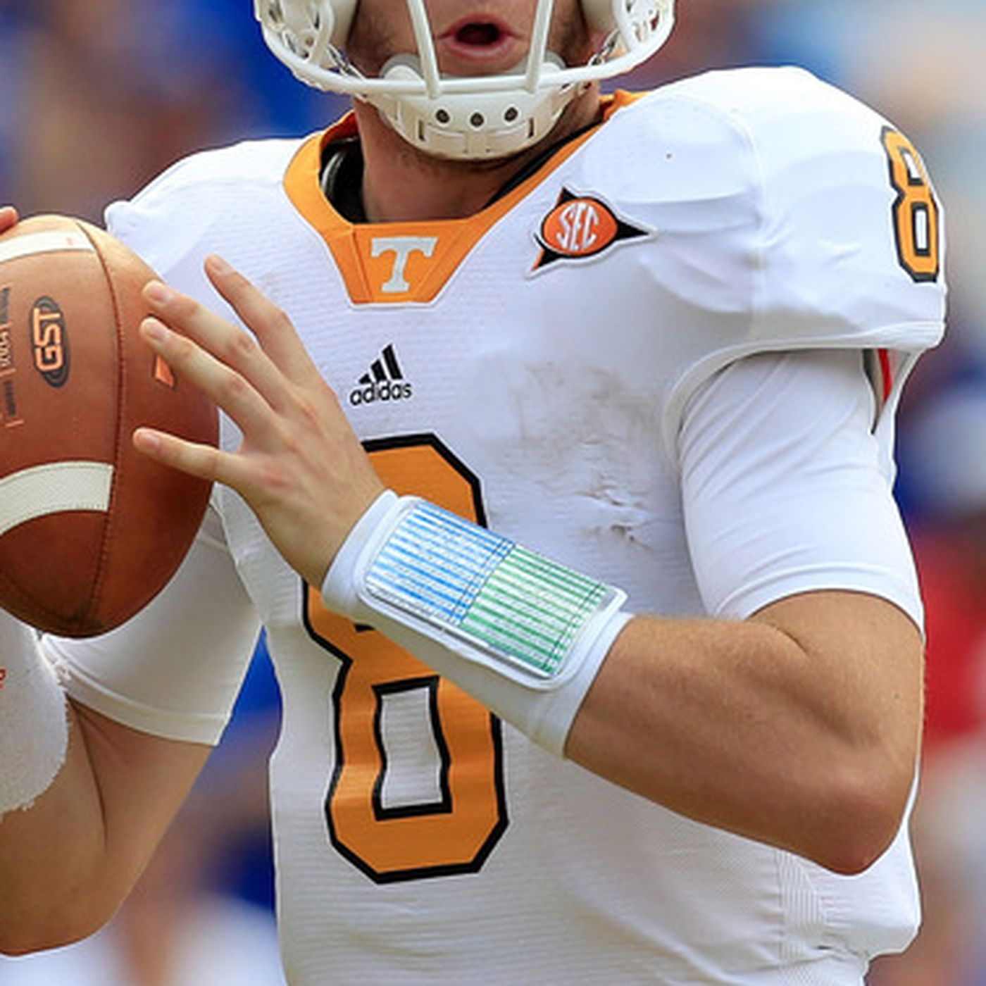 buy popular 79561 9a2b5 Tyler Bray Weight: Tennessee Quarterback puts on 20 pounds ...