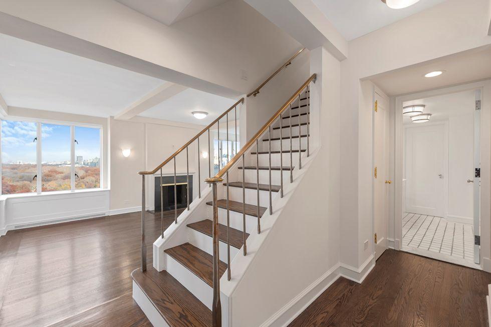 Listing 40 Central Park South Phd Essential New York Real Estate Via Streeteasy Rent Lady Gaga S