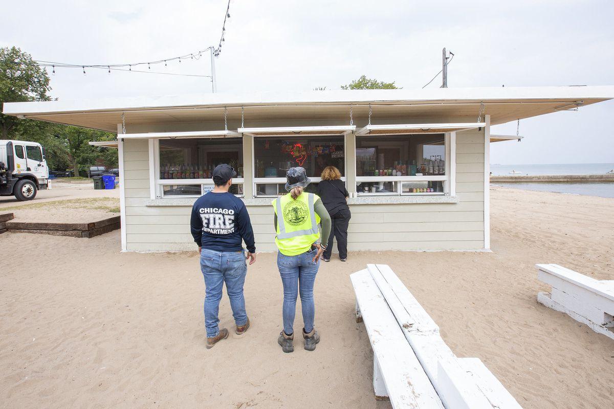 customers wait to order at Ropa Cabana